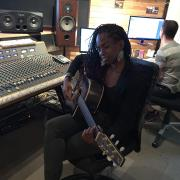 Optimistic studio session jowana guitare
